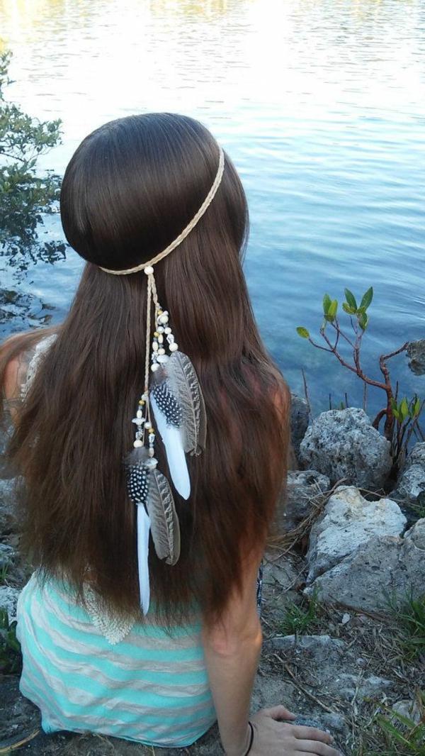 bijoux-de-cheveux-brunette-fille-accessoire-de-cheveux-fille-au-bord-du-lac