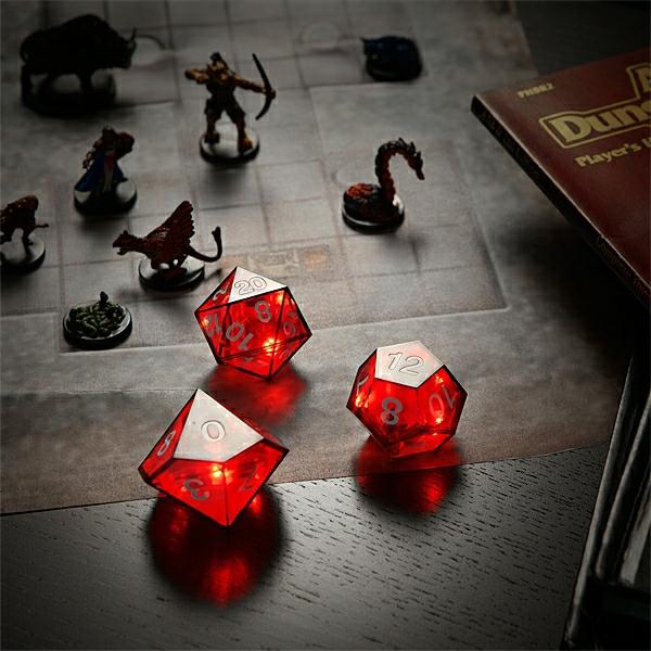 cadeau-geek-critical-hit-dice-set-inuse-creative
