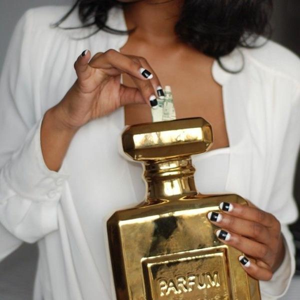 cadeau-tirelire-donner-argent-originalement-boite-parfume-resized