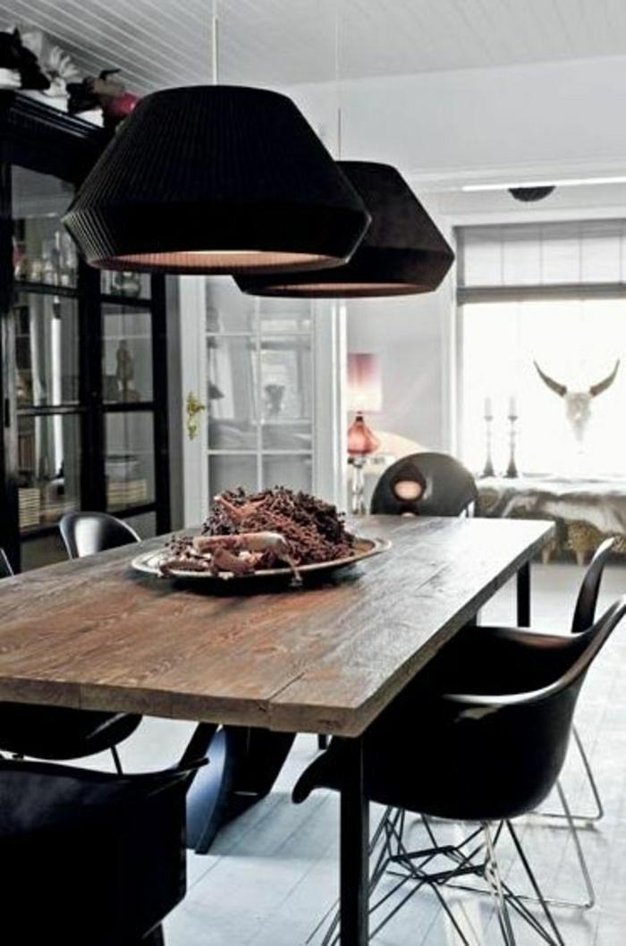 chaise-noire-en-plastique-salle-de-séjour-table-en-bois-chaise-de-salon-fauteuil-de-salon
