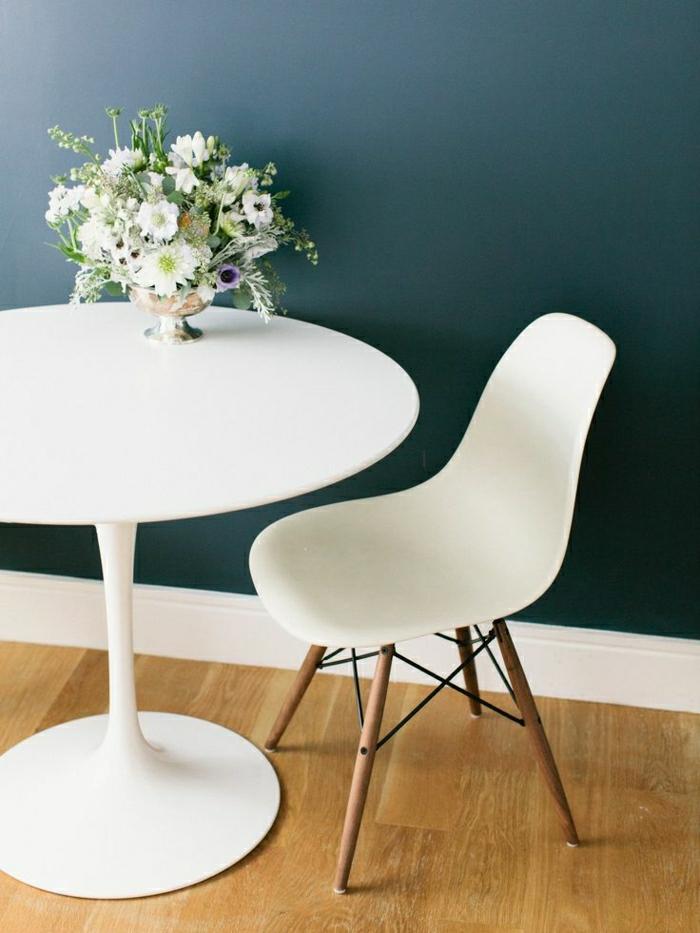 La chaise plastique un meuble moderne pour la maison - Chaise blanche plastique ...