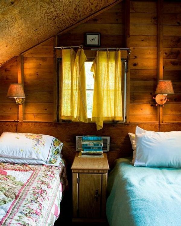 chambre-rustique-rideaux-jaunes-it-couverture-de-lit-chambre-cocooning