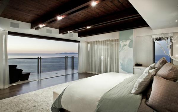 chambre-zen-avec-une-vue-vers-l'océan