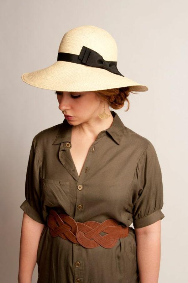 chapeau-de-paille-beige-noir-chemise-vert