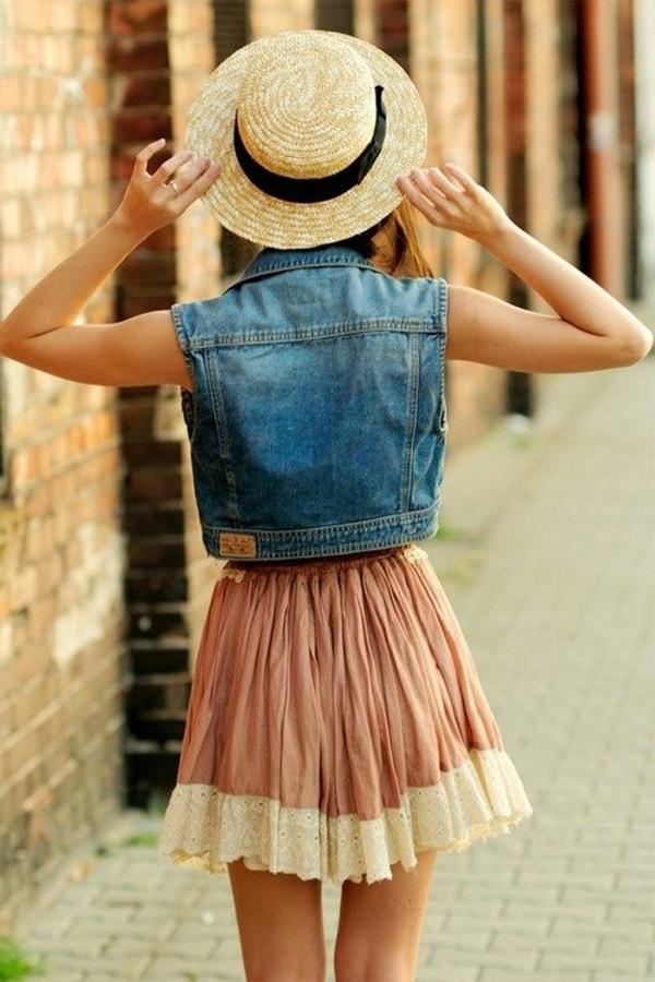 chapeau-en-paille-beige-robe-rose-court-ete