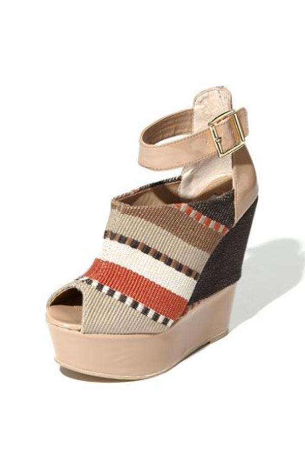 chaussures-platforme-beige-colorés-style-boheme