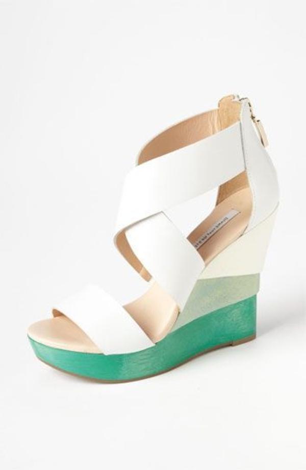 chaussures-platforme-blanc-bleu-en-cuir-talons-hautes