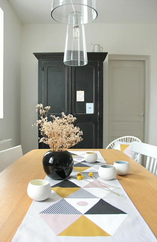 101 id es pour la nappe de table un accessoire indispensable for Chemin de table moderne