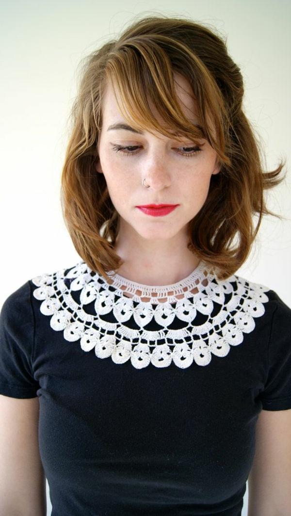 collier-plastron-bijoux-à-crochet