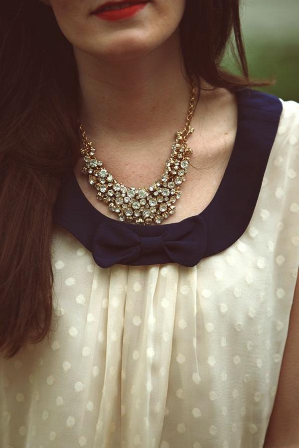 collier-plastron-bijoux-magnifiques-et-doux