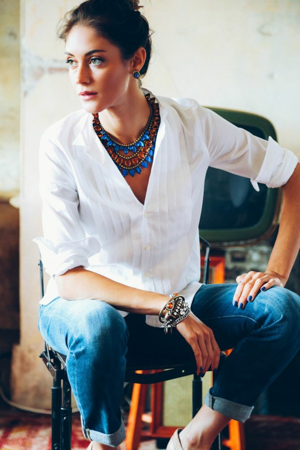 collier-plastron-comment-accessoiriser-la-tenue