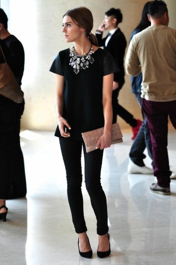collier-plastron-et-look-glamoureux
