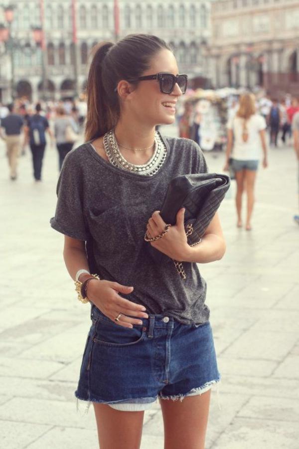 collier-plastron-et-outfit-de-tous-les-jours