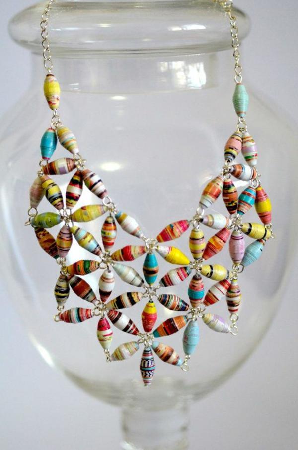collier-plastron-joyeux-bijoux-originaux