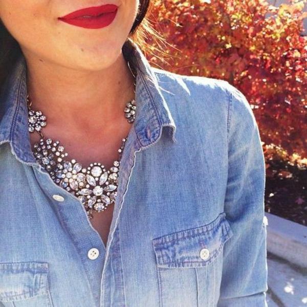 collier-plastron-motifs-floraux-en-cristaux