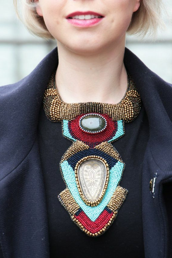 collier-plastron-original-bijoux-grands