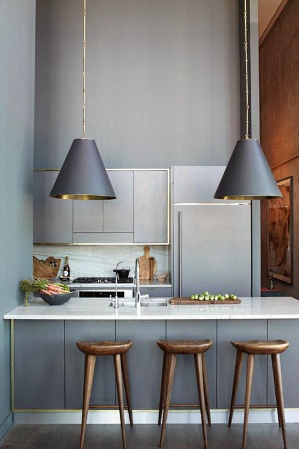 contemporaines-cuisines-idee-deco-chaises-hautes-lustres-metal