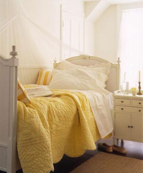 couvre-lit-boutis-pièce-décoration-jaune