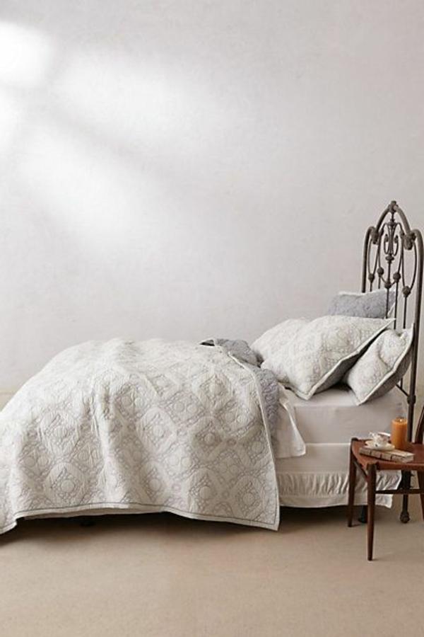 le couvre lit boutis en 75 images. Black Bedroom Furniture Sets. Home Design Ideas