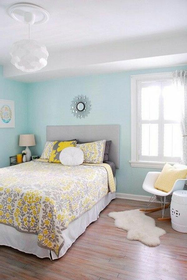 couvre-lit-boutis-pièce-décoration-vaste-et-lumineuse
