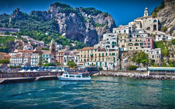 croisières-en-Méditerrannée-le-joli-naples