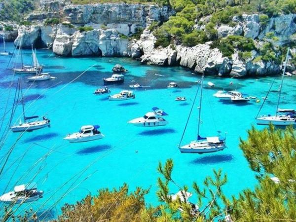 croisières-en-méditerranée-eaux-fantastiques-de-Menorca