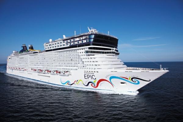 croisières-en-méditerranée-un-grand-navire