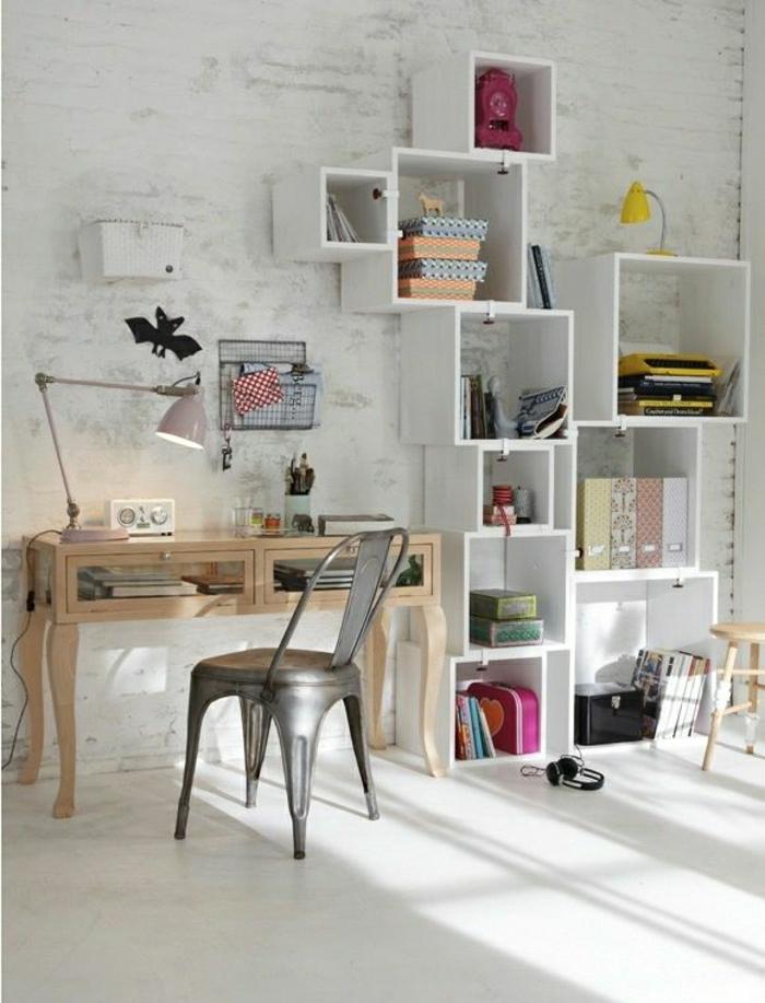 cube-de-rangement-blanc-déco-idée-aménagement-meuble-en-bois-d-appoint-bureau-de-travail
