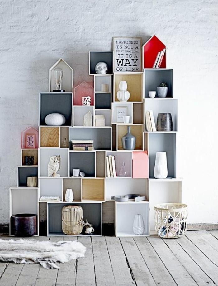 cube-de-rangement-en-bois-blanc-sol-planchers-gris-taips-en-cuir-animal