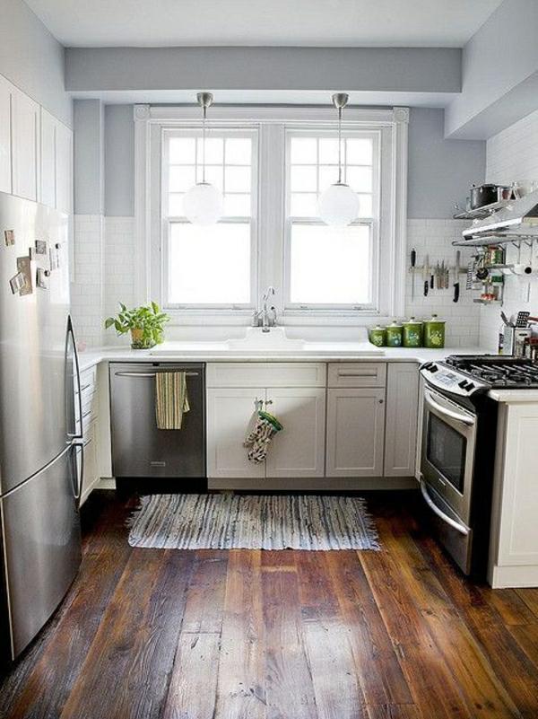 cuisine-cocooning-sol-parquet-plates-vertes-fenetres-ambiance-cocooning