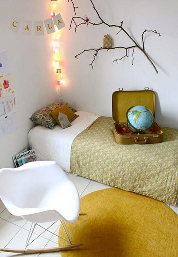 deco-cocooning-chabre-a-coucher-linge-de-lit-jaune-glob-chambre-d-adolescent