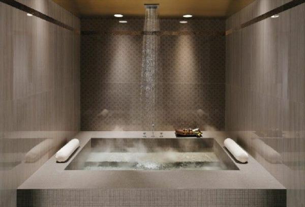 douche-pluie-salle-de-bains-glamoureuse