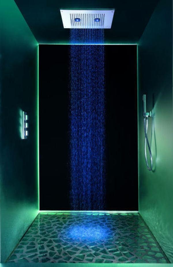 douche-pluie-salle-de-bains-originale