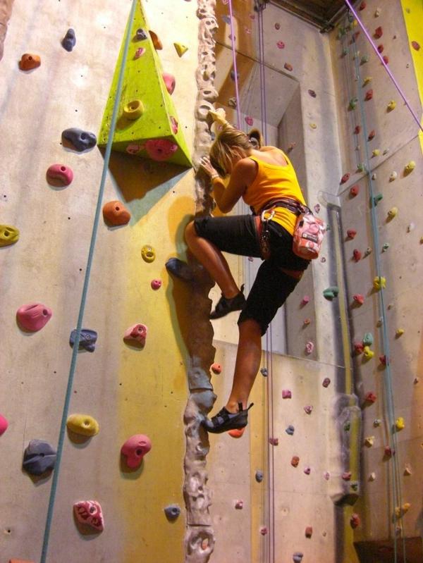 escalade-en-salle-sports-extrêmes