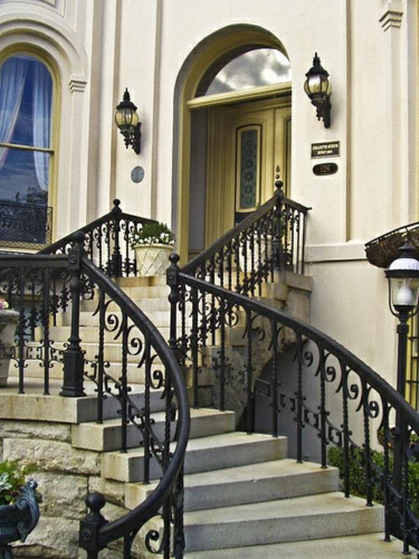 escalier-architecture-avec-ornament-classique-art-classique-architecture-baroque