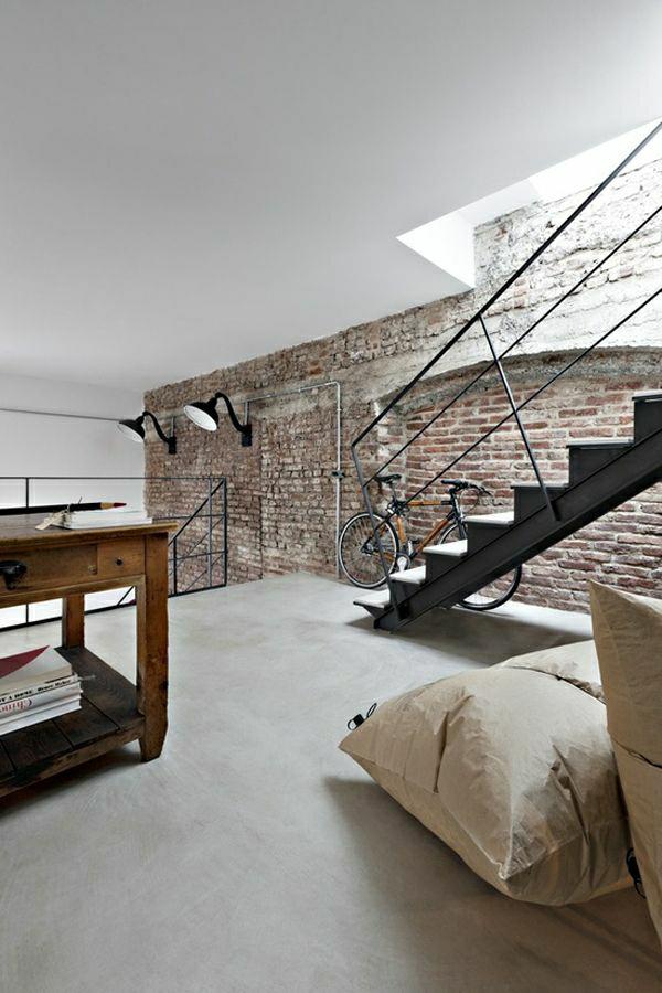 escalier-industriel-aménagement-industriel-décoration-avec-vélo-idée
