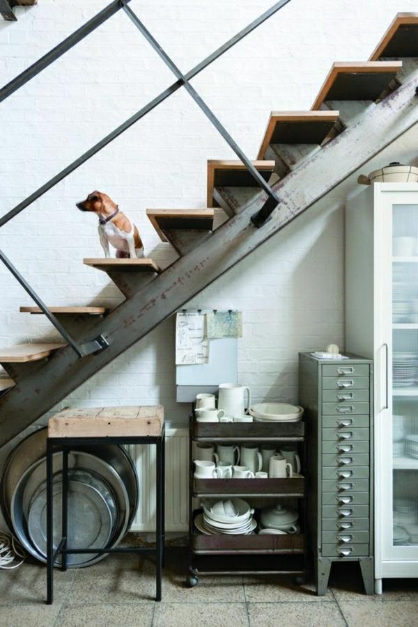 escalier-industriel-chien-meubles-en-fer-escalier-en-fer-et-bois