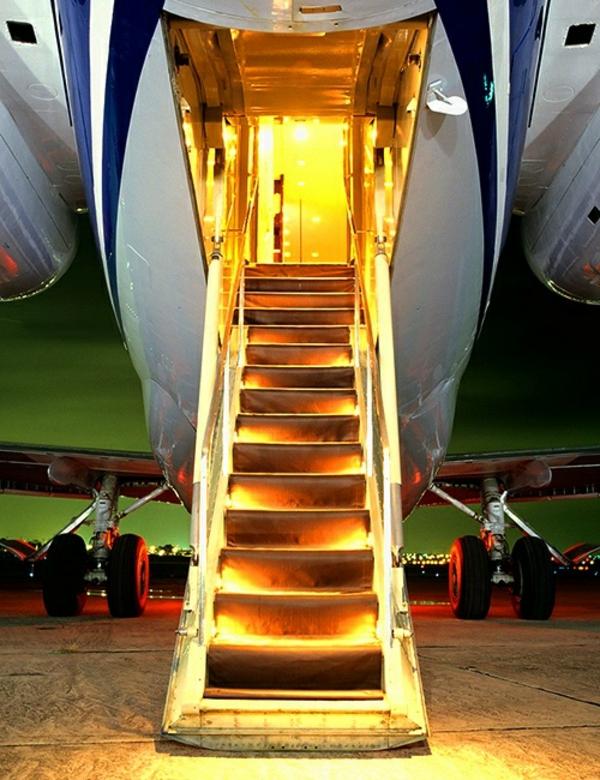 escalier-lumière-avion-privé