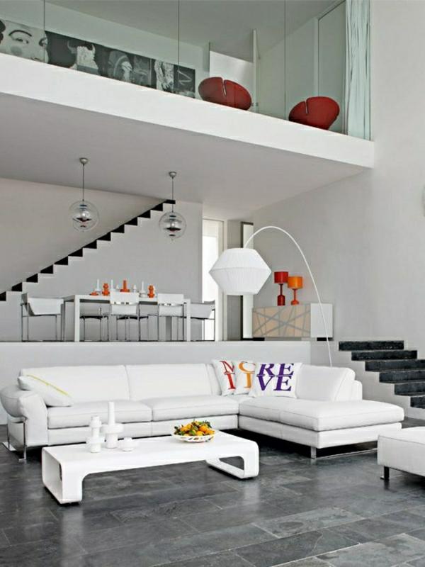 escalier-pour-mezzanine-appartement-en-noir-et-blanc