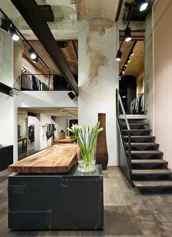 escalier-pour-mezzanine-intérieur-loft-industriel