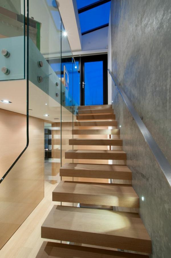 garde-corps-en-verre-balustrade-stylée-d'escalier