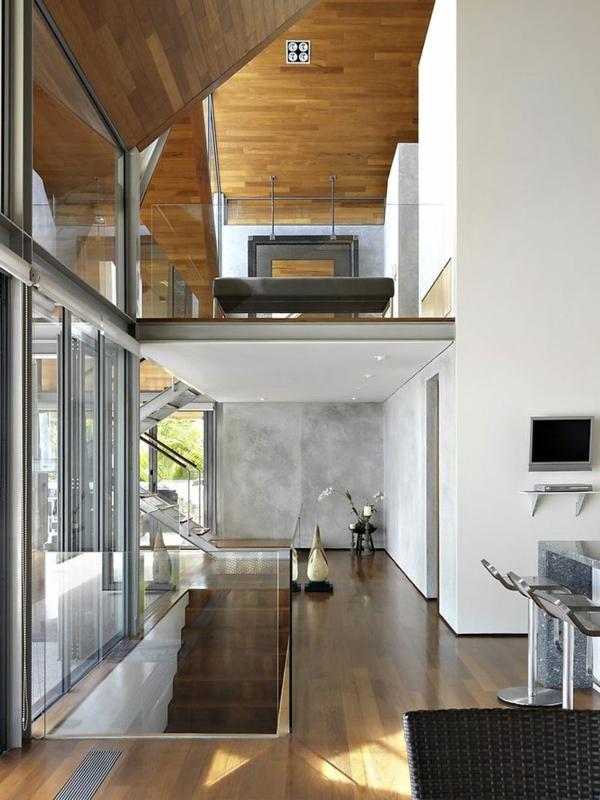garde-corps-en-verre-dans-une-maison-contemporaine