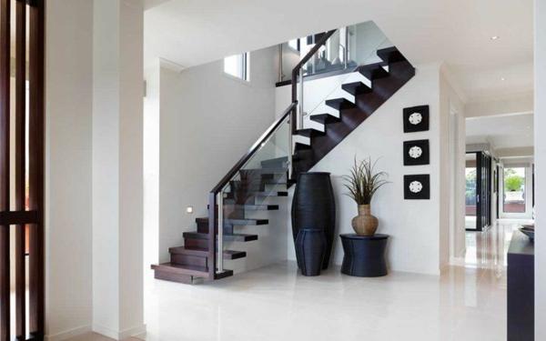 garde-corps-en-verre-escalier-noir-en-fer