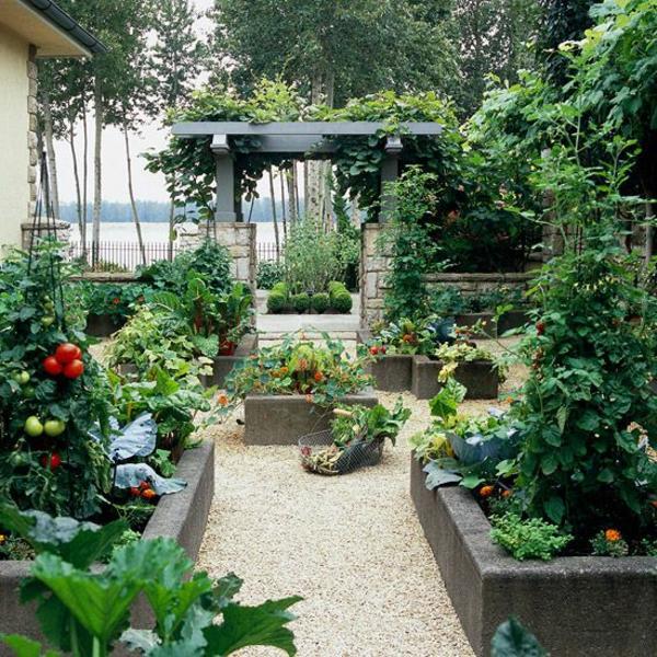 gravier-décoratif-jardin-cour-fleur-porte