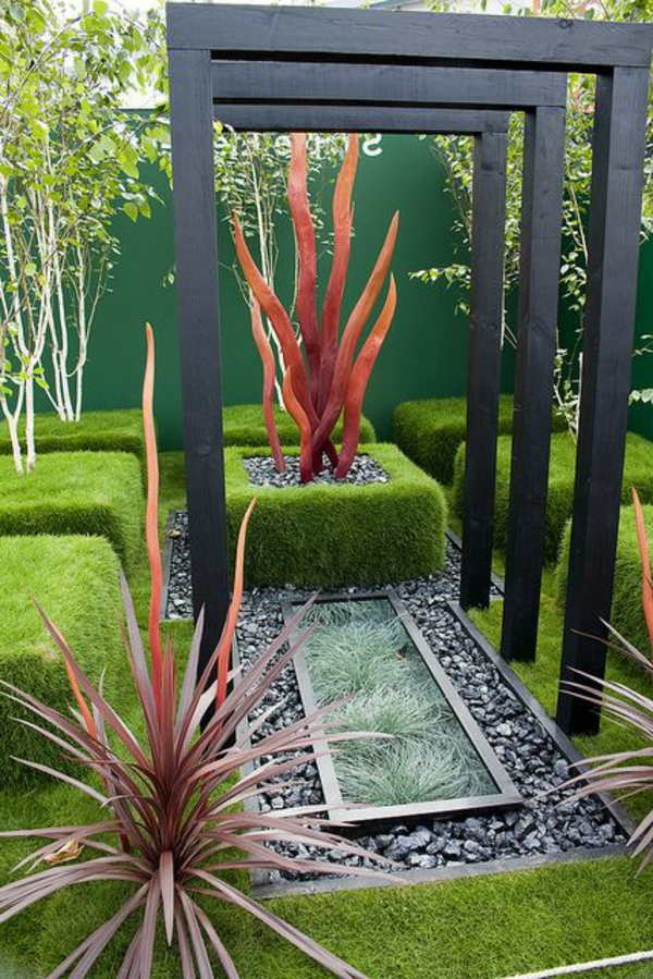 gravier-dans-le-jardin-buisson-vert