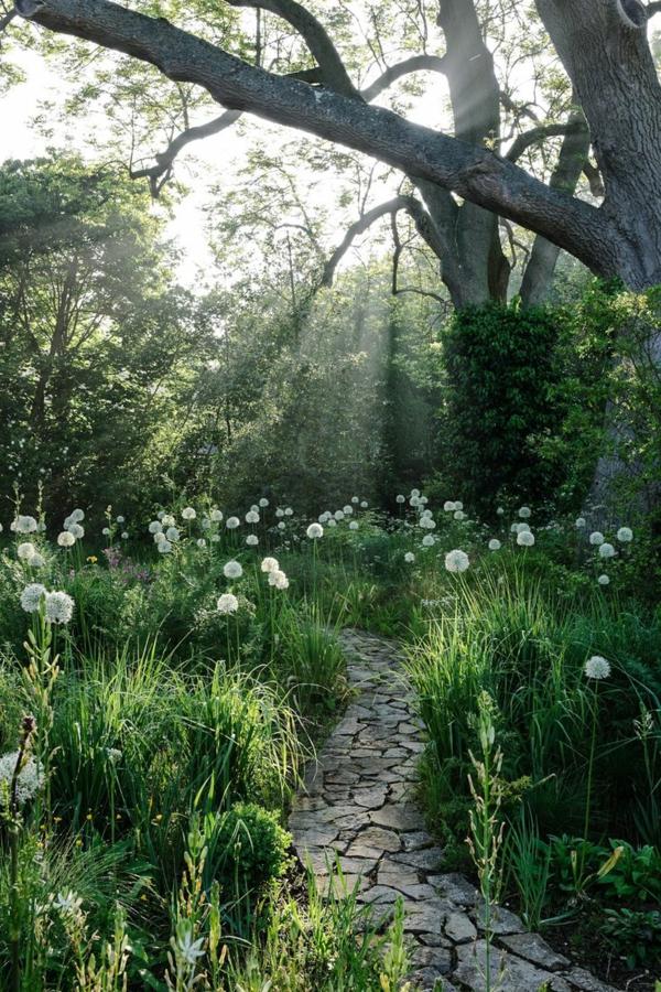 Cr er le plus beau jardin avec le gravier pour all e for Petit gravillon pour cour