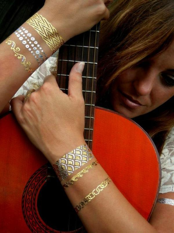 henné-cheveux-d-ailleurs-tatouage-dorée