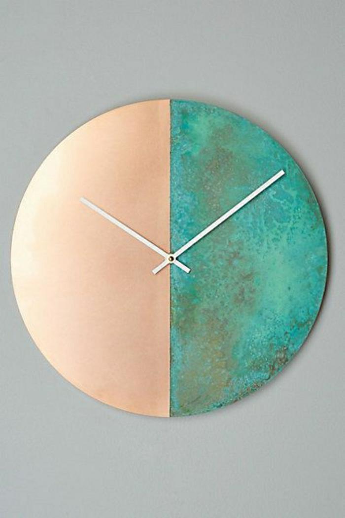 horloge-mur-gris-pendule-élégante-bleu-beige-