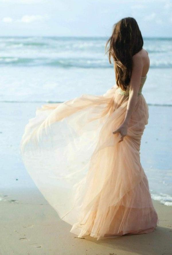 inspiration-robe-rose-mariage-au-bodr-de-la-mer-sable-robe