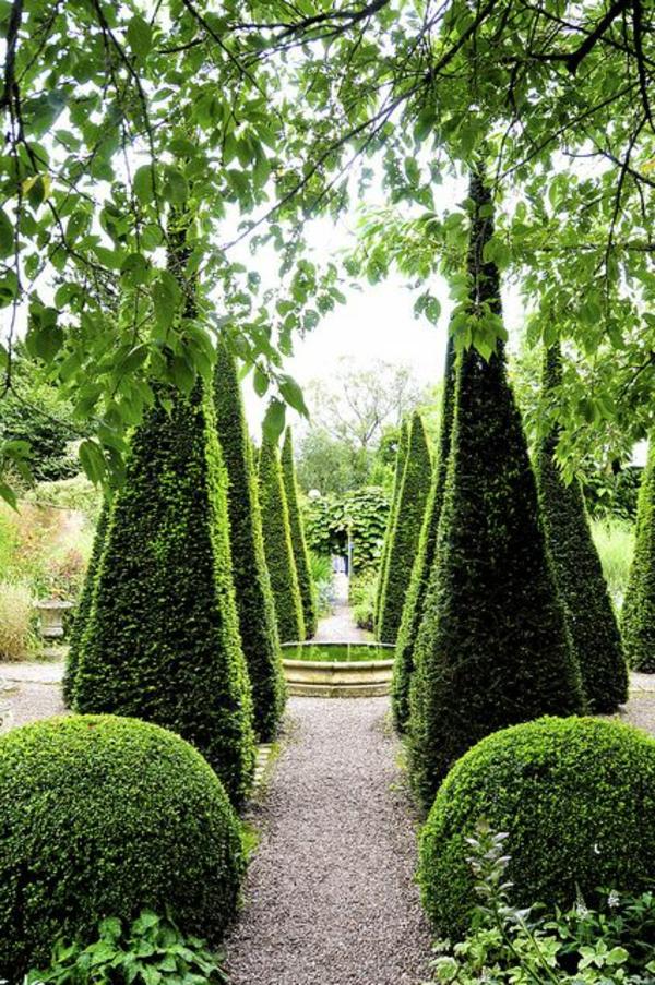 jardin-vert-allée-gravier-blanc